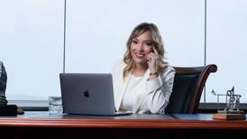 ¿Por qué es importante firmar contratos para el crecimiento de la empresa?