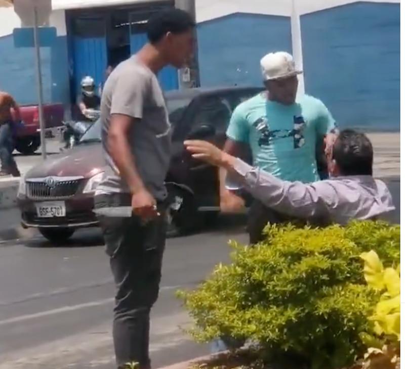 Agresión en semáforo en Guayaquil