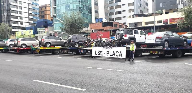 Quito: Cómo se deben llevar las placas de forma correcta para evitar la multa