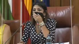 ¡Mira! lo que causó una rata en pleno Parlamento de Andalucía