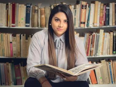 "Cristina Pomboza presentó su poemario ""Brujería"""